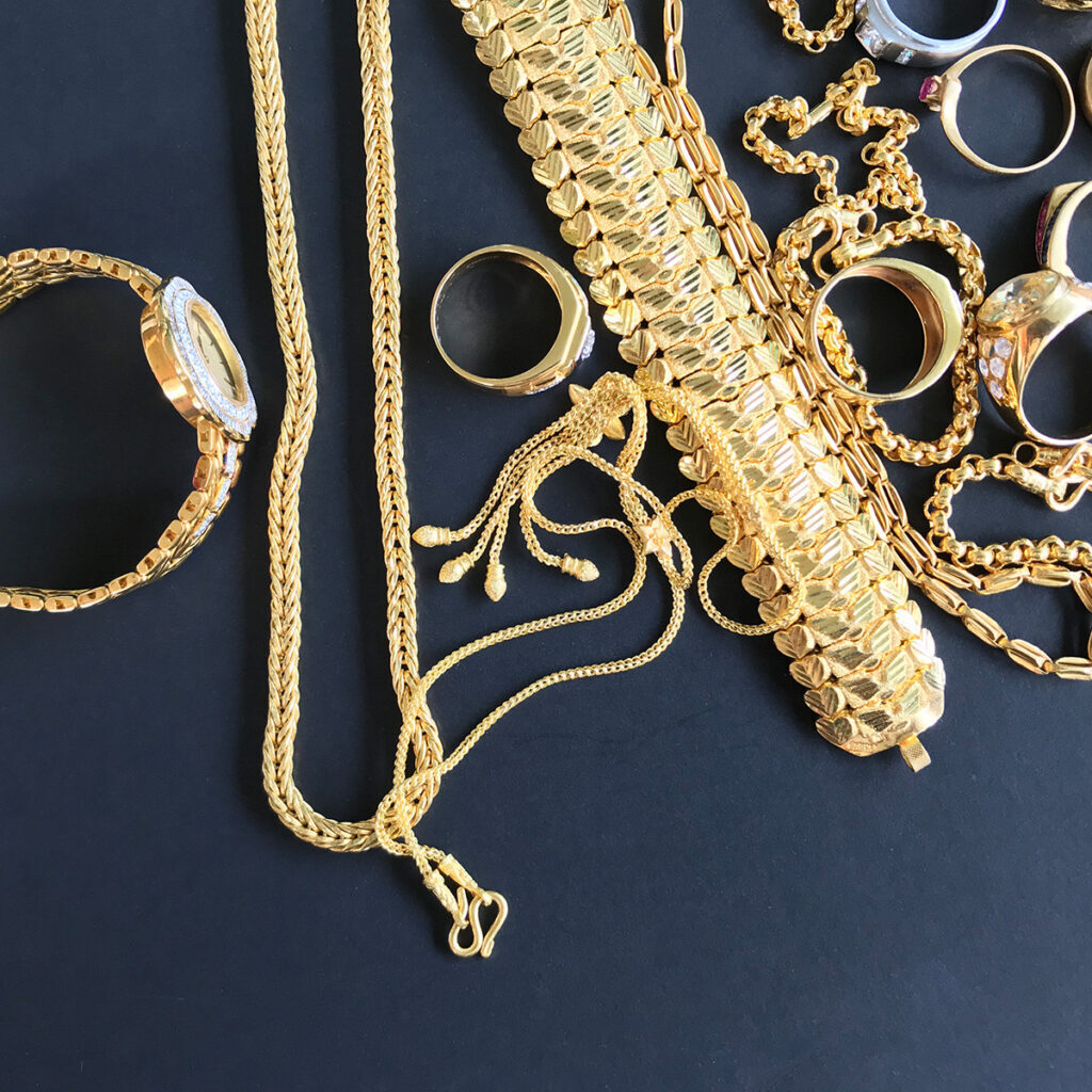 HowtoCleanMy_Gold_Vermil_Jewelry-squashed