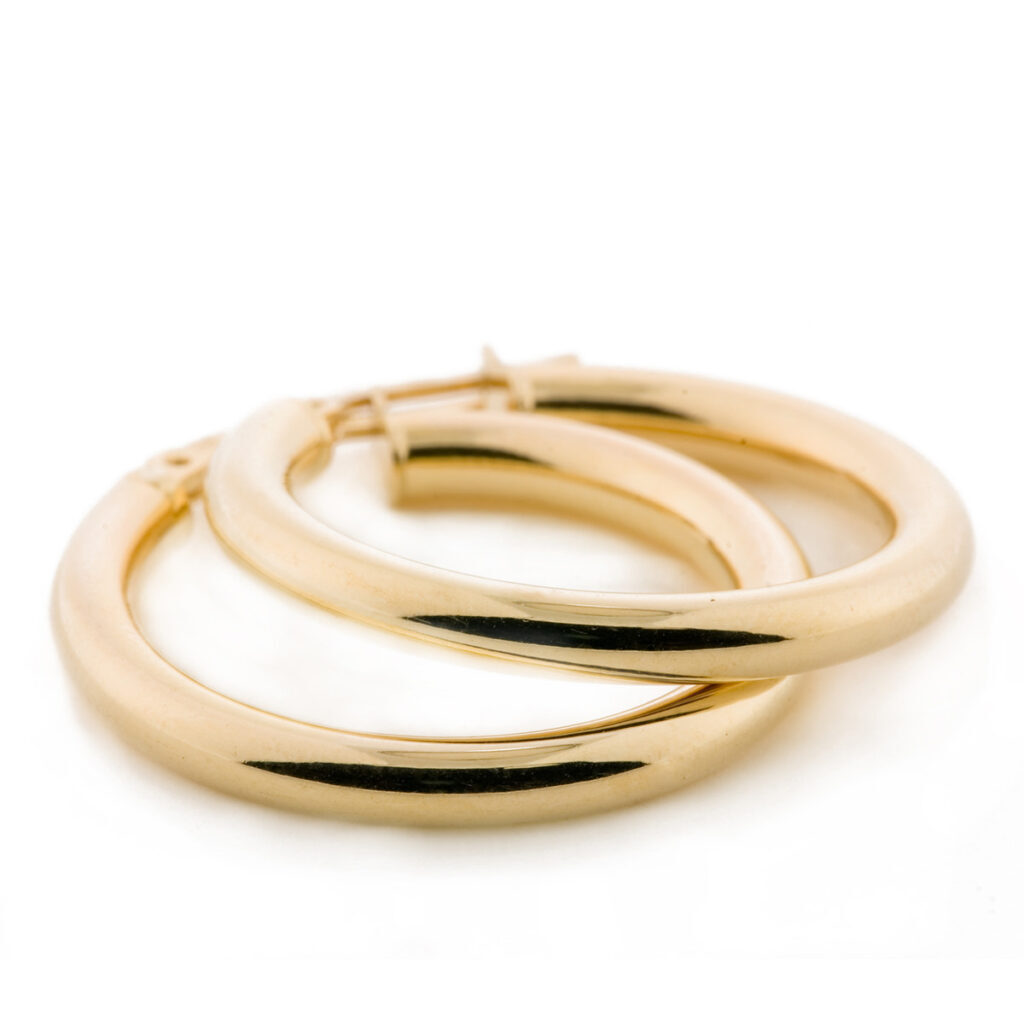 HowtoCleanMy_Yellow_Gold_Jewelry-squashed
